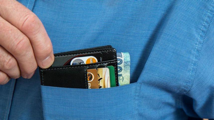 4 sinais de que você está usando o cartão de crédito de forma equivocada