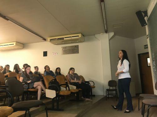 ARAS/Cáritas faz palestra sobre migração na Unicesumar