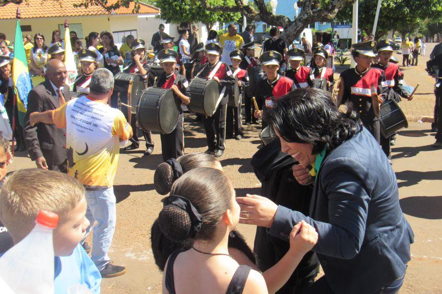 Rancho Alegre D′Oeste realiza desfile cívico