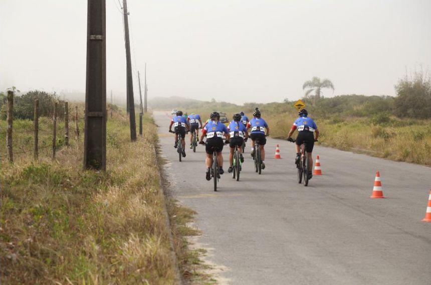 Competição de Mountain Bike abre Jogos de Aventura e Natureza em Pontal do Paraná