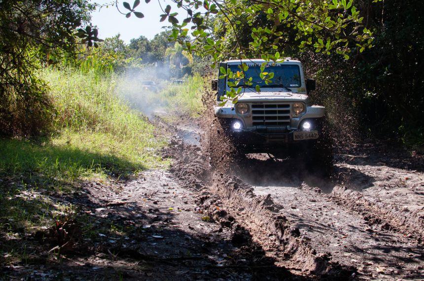 Com muito barro, Jipeiros desvendam a Trilha da Butuca em Pontal do Paraná