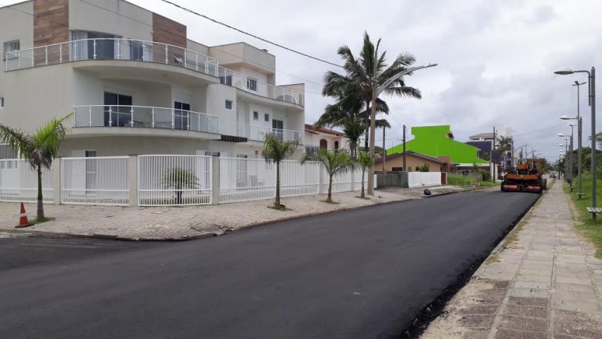 Avenida Anybal Khury recebe mais um trecho de asfalto