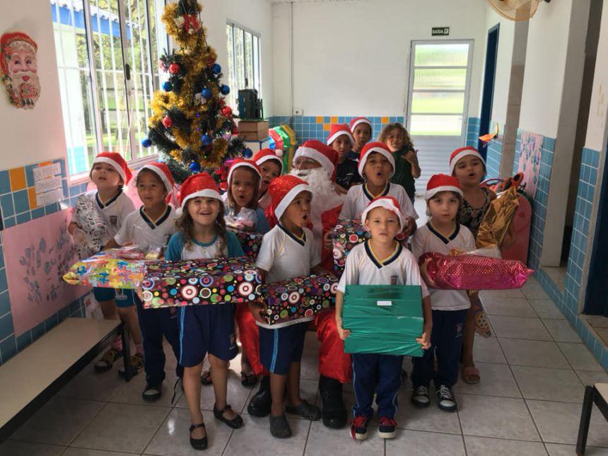 Guarda Municipal realiza ação de natal para alunos da Colônia Pereira