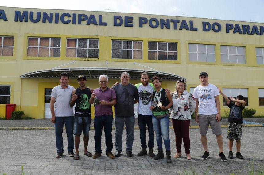 Atletas de Pontal do Paraná conquistam ouro e prata em Campeonato Brasileiro de MuayThai