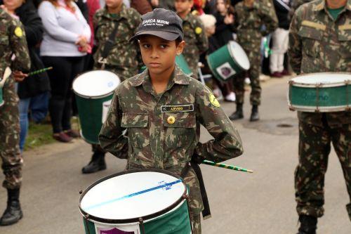 Desfile marca comemoração do Dia da Independência do Brasil em Pontal do Paraná