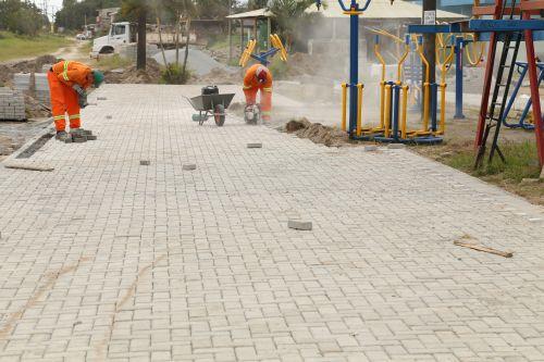 Pronto Atendimento 24 Horas de Shangri-lá recebe calçada e pavimentação
