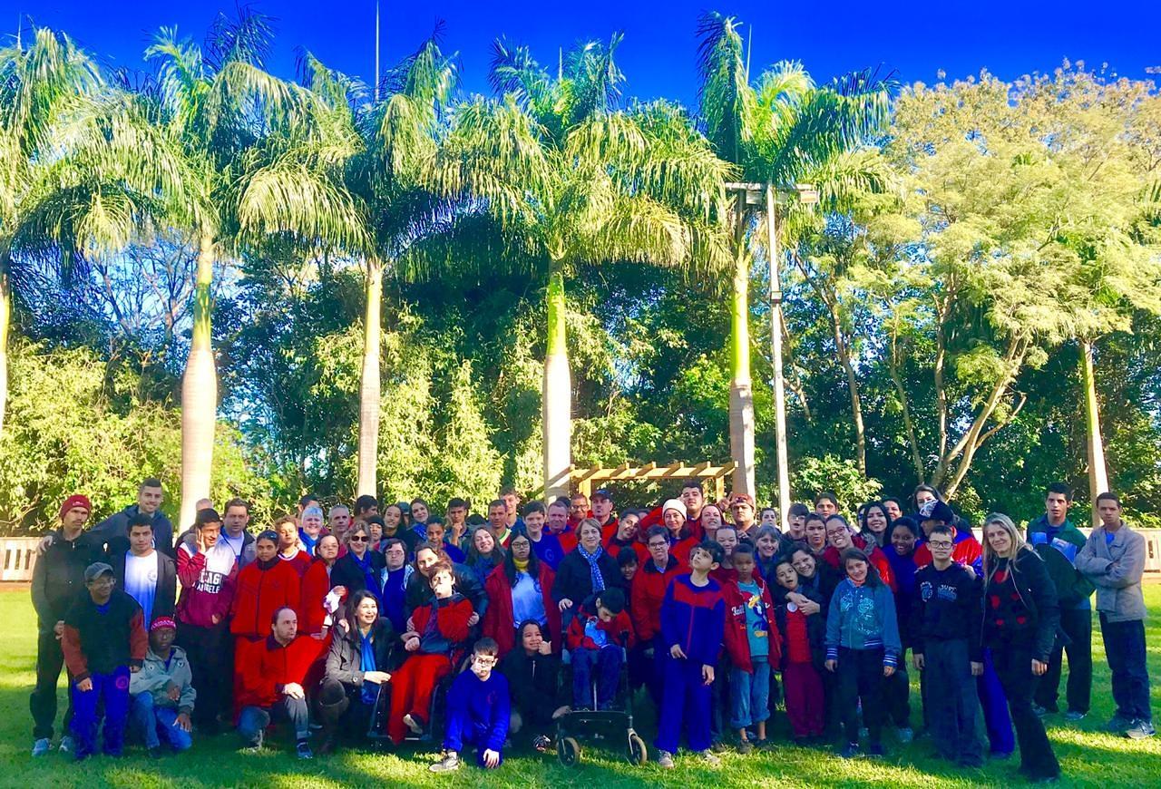Mais de cem alunos da Apae de Marialva participaram da gravação do videoclipe