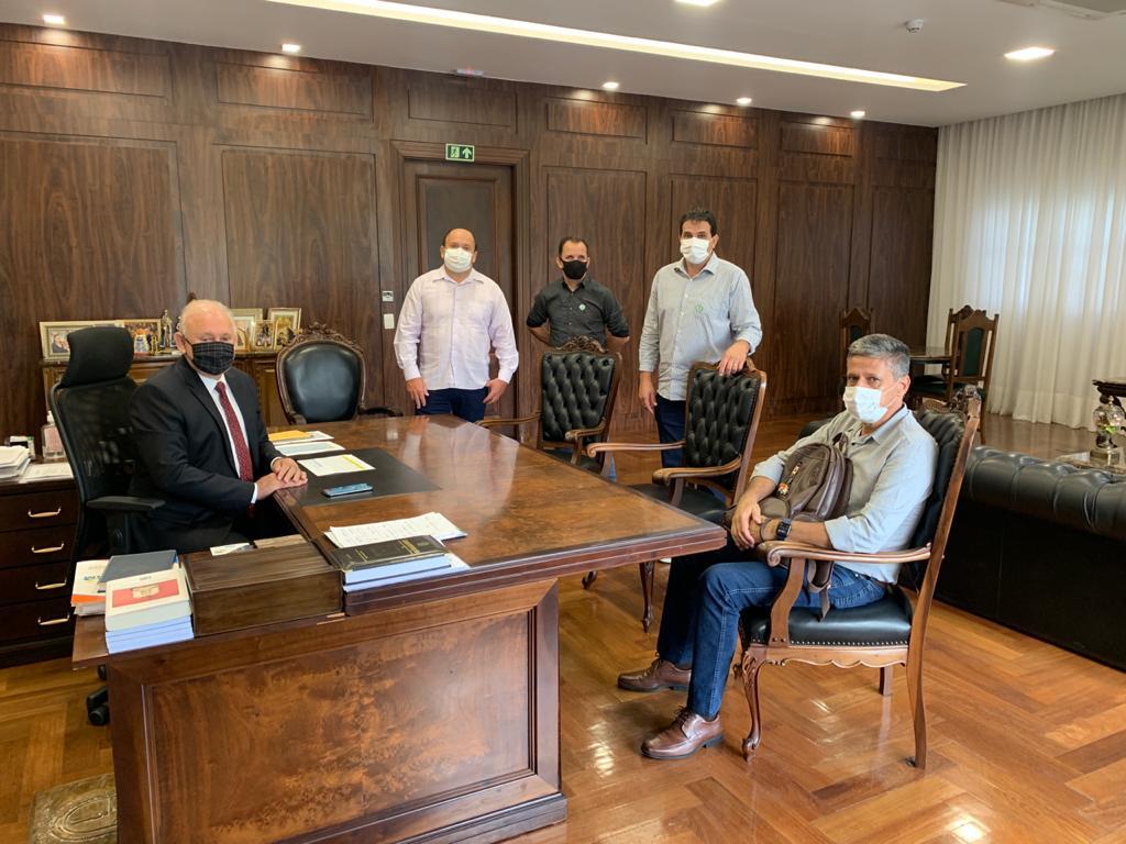 Executivo e Legislativo apresentam demandas ao Presidente da ALEP/PR Dep. TRAIANO