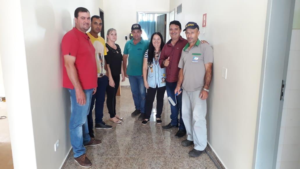 "Vereadores fiscalizam obras no CMEI ""MENINO JESUS"""