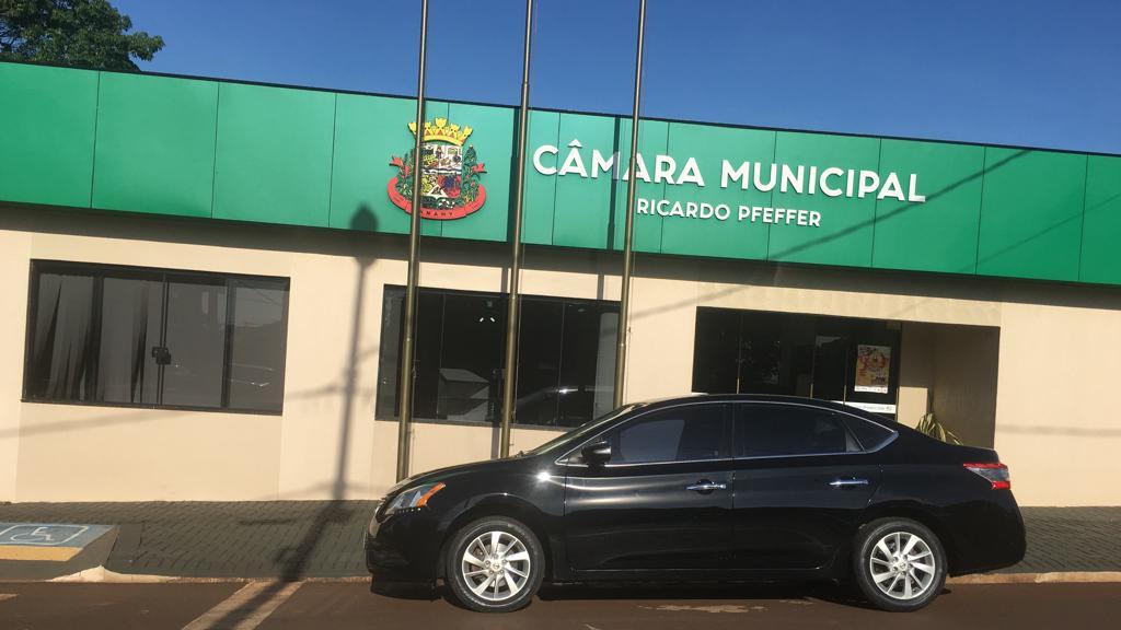 Câmara Municipal recebe veiculo do Poder Executivo