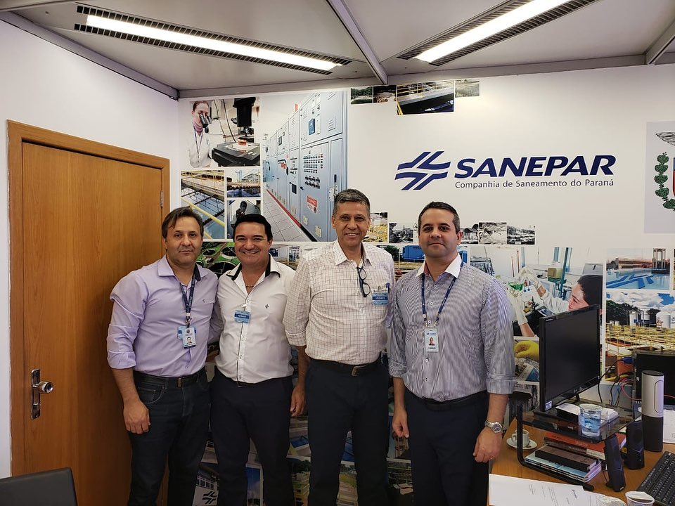 Presidente do Legislativo e Prefeito participam de reunião com a Sanepar em Curitiba.