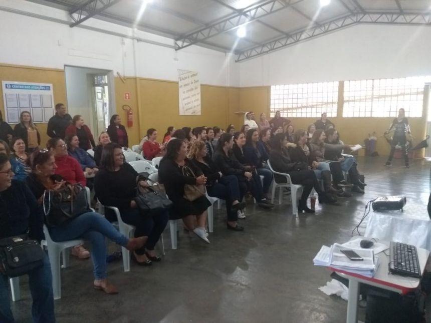 PROFESSORES MUNICIPAIS RECEBEM FORMAÇÃO CONFORME LEI DE DIRETRIZES DA EDUCAÇÃO NACIONAL
