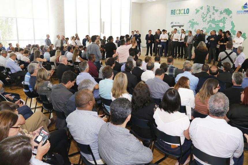 JOAQUIM TÁVORA E TRÊS MUNICÍPIOS DA REGIÃO RECEBEM R$30 MIL CADA PARA COLETA SELETIVA DO LIXO