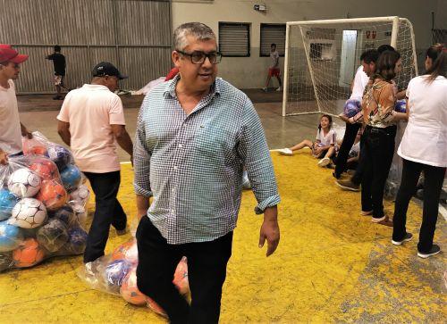 PREFEITURA DE JOAQUIM TÁVORA DISTRIBUI BRINQUEDOS AOS ALUNOS DA REDE MUNICIPAL DE ENSINO