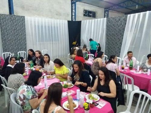 PREFEITURA E DEPARTAMENTO DE EDUCAÇÃO REALIZAM JANTAR PARA PROFESSORES