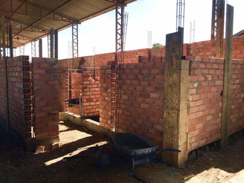 Vestiário e Sanitário na Garagem Municipal (Departamento de Obras)