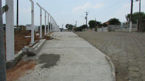 Reforma calçadas,banheiros,cadeiras, rede de esgoto do CENTRO DE EVENTOS