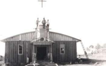 Construção da primeira igreja do distrito de Imbaú