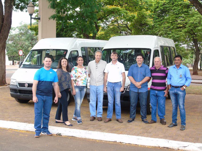 Município de Querência do Norte recebe 02 Vans com recursos da Secretaria de Estado da Saúde, Prefeitura Municipal e Câmara Municipal