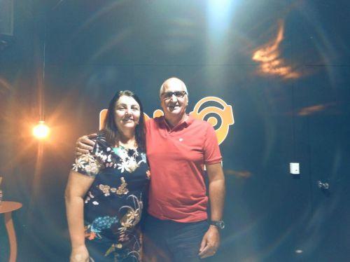 PREFEITA DRA. ROZE PARTICIPA DE ENTREVISTA NA RÁDIO LOANDA FM