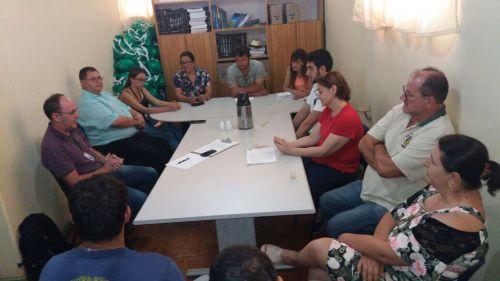 REUNIÃO COM TÉCNICOS DA EMPRESA RDZ SOBRE O PLANO MUNICIPAL DE SANEAMENTO BÁSICO