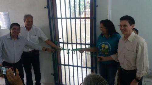 PREFEITURA DE QUERÊNCIA DO NORTE E SICREDI RIO PARANÁ PR/SP INAUGURAM SALA DE INFORMÁTICA PARA MELHOR IDADE