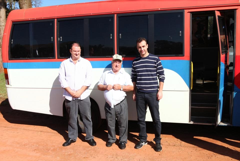 Entrega de um Micro Ônibus aos Trabalhadores