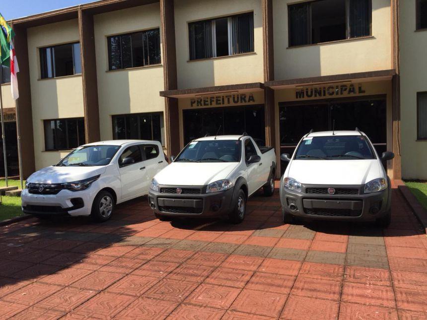 Prefeitura Adquire 03 Veículos 0KM