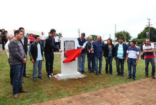 Inauguração do barracão destinado à exploração de atividades industriais, comerciais ou prestadoras de serviços.