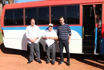 Entrega de um Micro Ônibus aos Trabalhadores Rurais do km 14