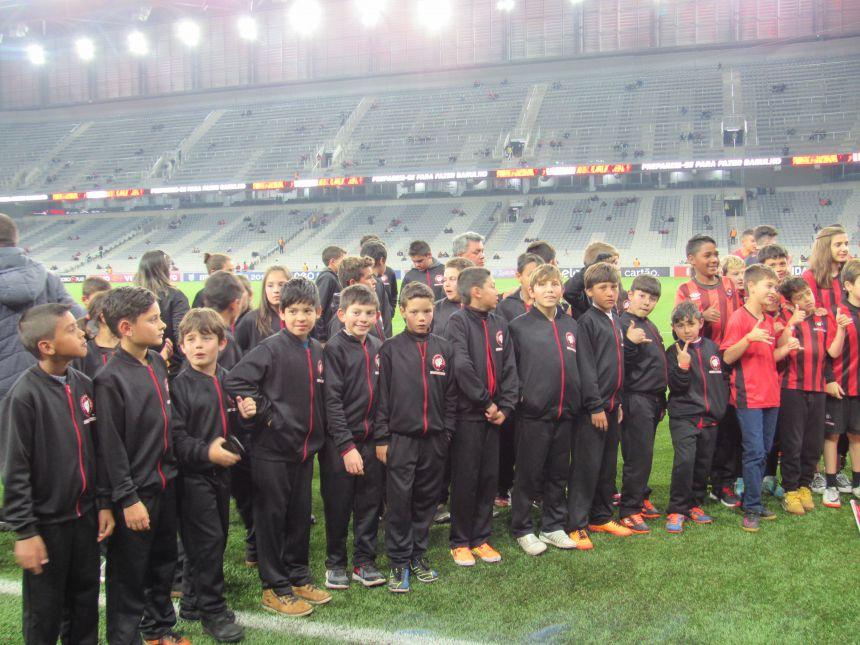 Jogo Atlético x Botafogo - Viagem dos alunos da escolinha furacão.