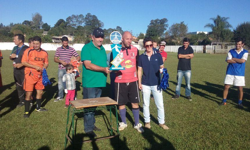Bar do Batata é campeão do Torneio do Trabalhador