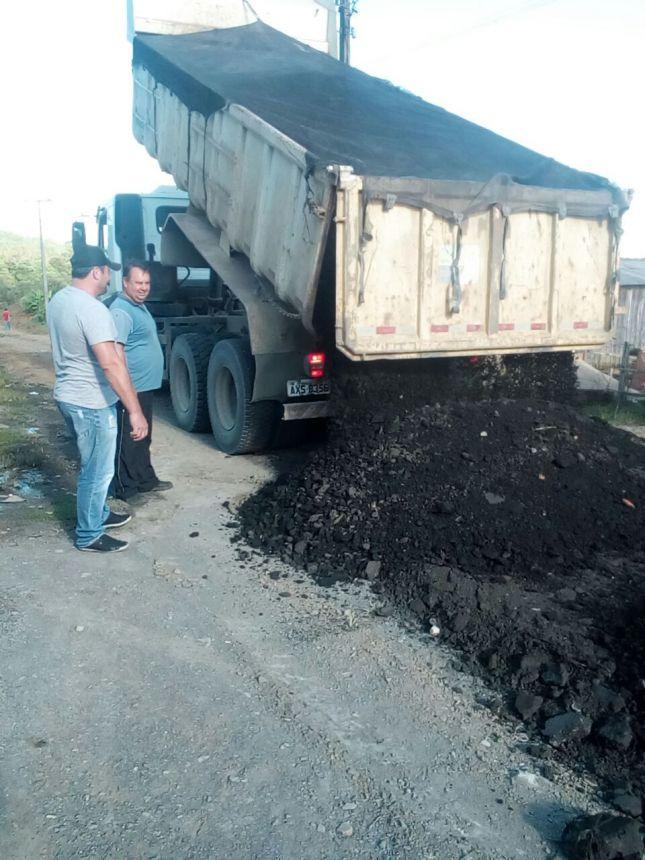 Ruas da Comunidade do Angaí recebem Fresado Asfáltico