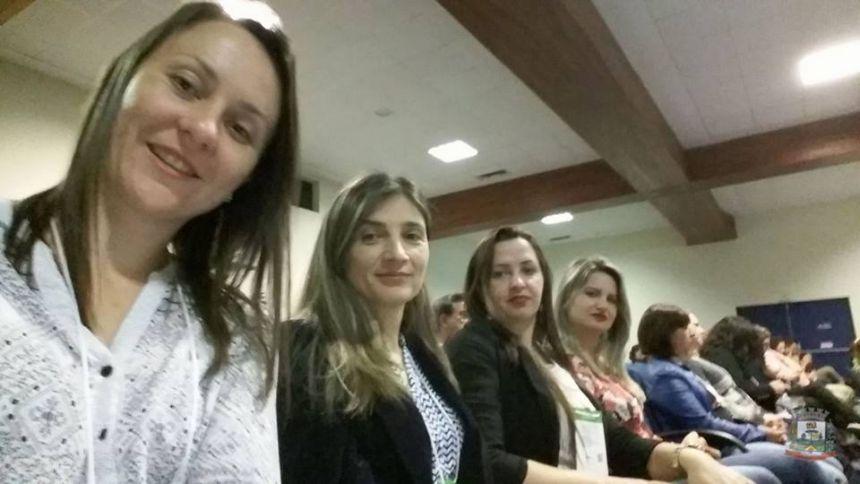 Equipe Pedagógica participa de Seminários pelo sistema Positivo em Curitiba!