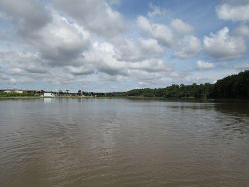 Prefeitura solta 2500 Quilos de Peixe no Lago do Parque da Prainha
