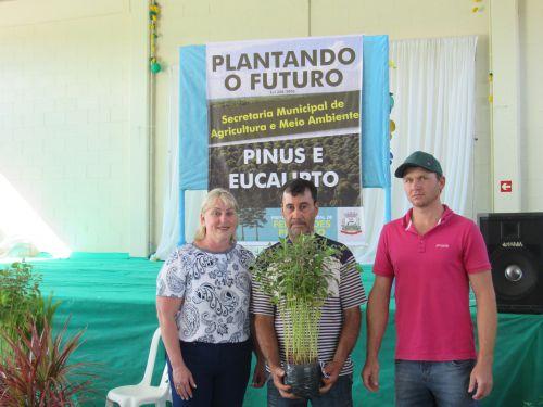 PLANTANDO O FUTURO.