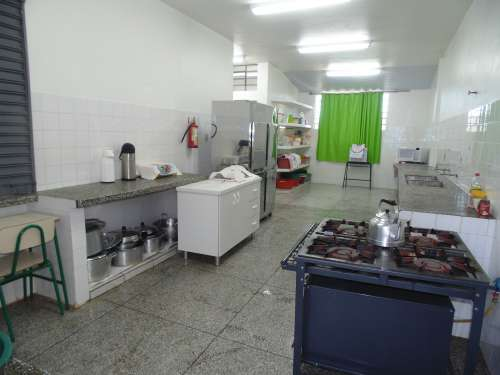 Prédio da Escola Rural Municipal Bituva dos Machados