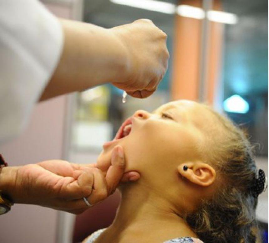 Campanha de Vacinação contra a Polio e o Sarampo.