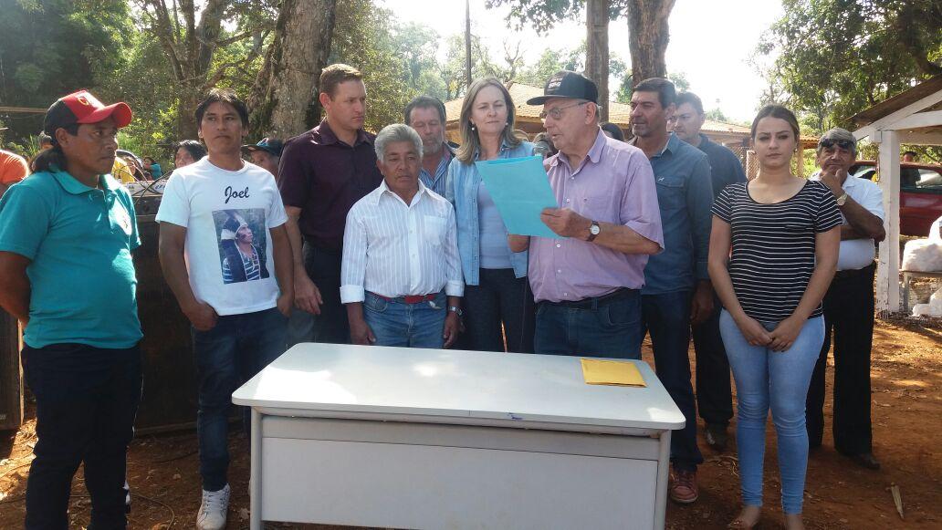 Beth Camilo libera obras de calçamento para Aldeia Indígena Ivaí