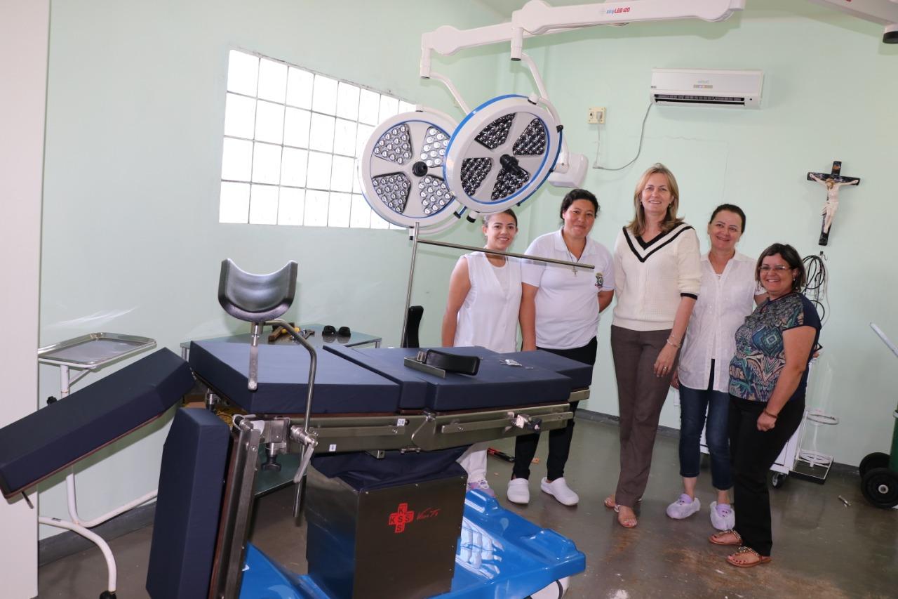 Prefeita Beth Camilo entrega equipamentos para o Hospital Municipal
