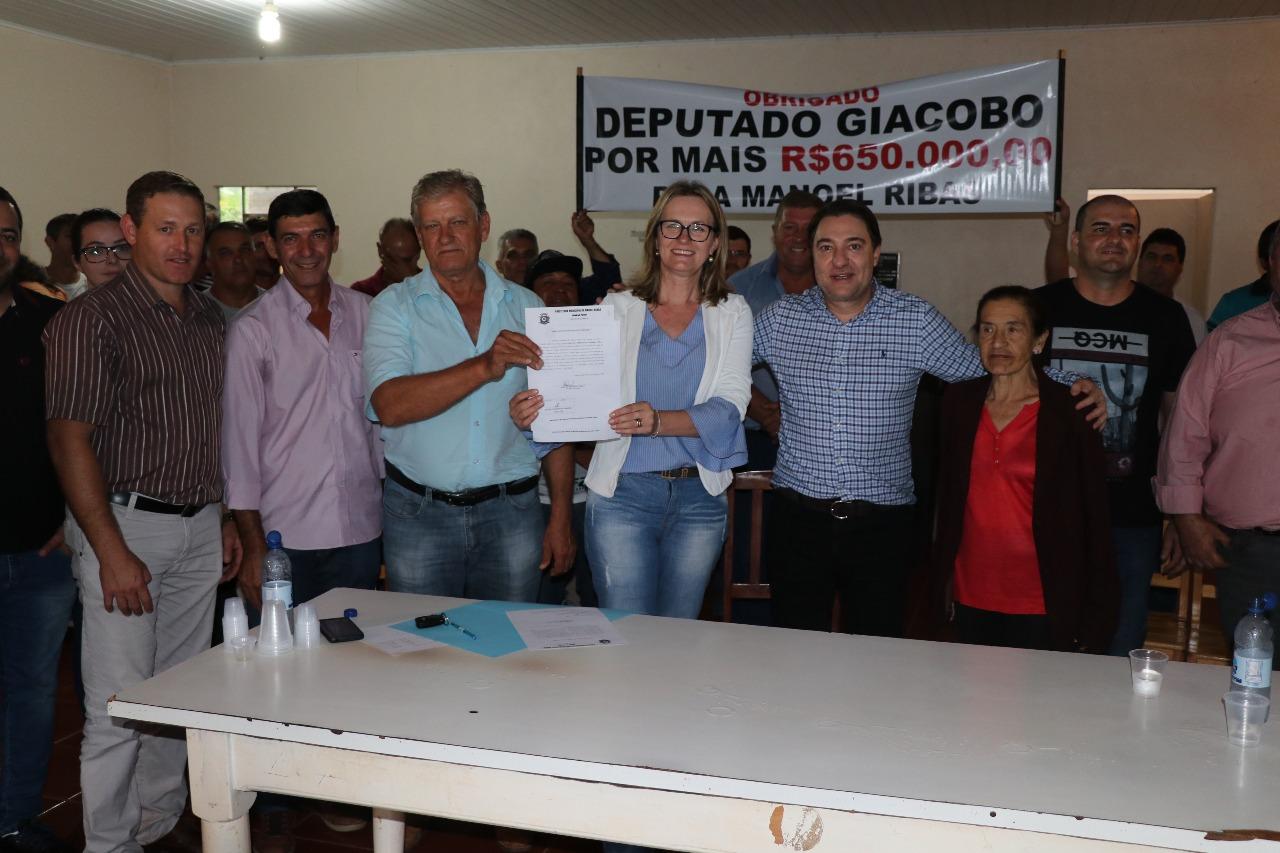 Prefeitura de Manoel Ribas emite ordem de serviço para pavimentação de ruas