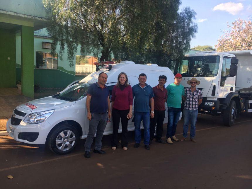Prefeitura de Manoel Ribas recebe ônibus, caminhão e ambulância