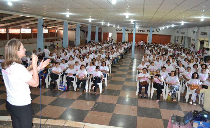 Manoel Ribas realiza conscientização sobre cuidados com o câncer de mama