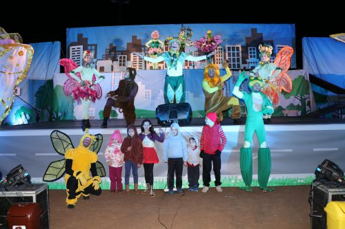 Espaço Sou Arte apresentou espetáculo de circo, teatro e dança em Manoel Ribas