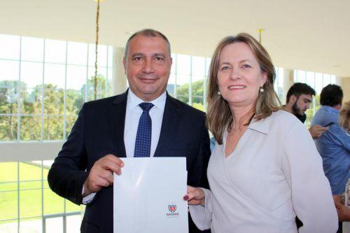 Manoel Ribas é contemplado com um Trator no valor de R$ 120 mil.