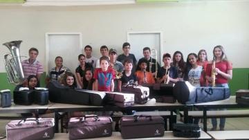 Prefeitura compra instrumentos musicais para resgatar a Banda Musical de Manoel Ribas