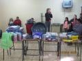 Famílias atingidas pela enchente recebem kits de cozinha, cama e cesta básica