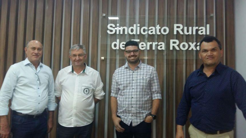 Vice-prefeito e secretário de turismo visitam a cidade de Terra Roxa