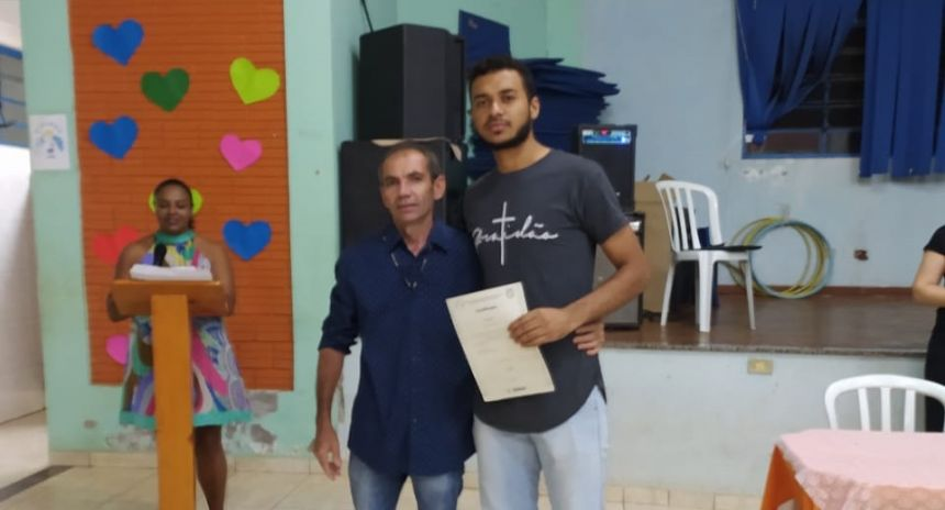Entrega de certificados para os alunos do Projeto Carreta do Conhecimento