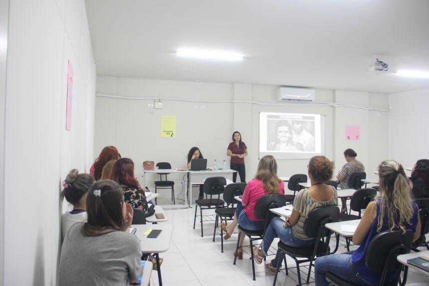 Palestra sobre violência contra mulher e empoderamento feminino